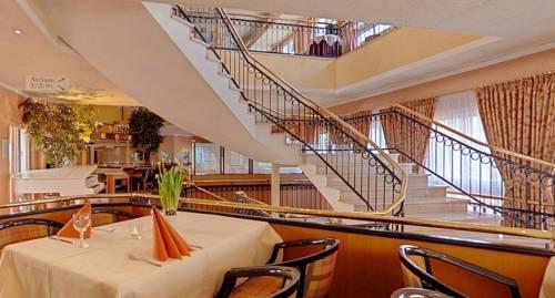 Amber hotel hilden dusseldorf compare deals for Hilden hotel