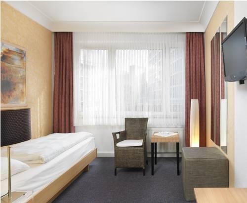 Hotel Alt Graz Düsseldorf : alt graz hotel dusseldorf compare deals ~ Watch28wear.com Haus und Dekorationen