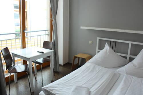 Baxpax Downtown Hostel/Hotel, Berlin - Compare Deals