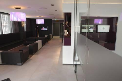 hotel bliss frankfurt am main compare deals. Black Bedroom Furniture Sets. Home Design Ideas