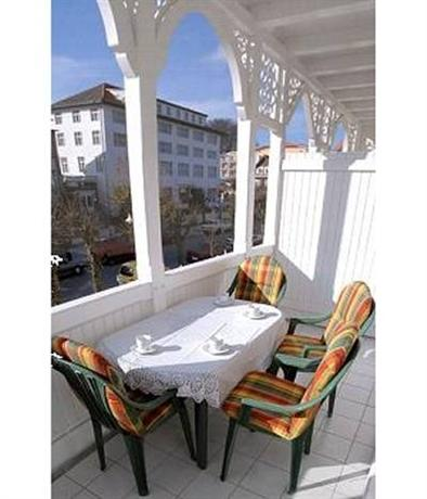 Apartments haus eintracht sellin compare deals for Haus sellin