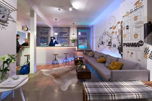 pyjama park st pauli hamburg compare deals. Black Bedroom Furniture Sets. Home Design Ideas