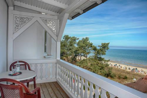 hotel restaurant zur promenade binz compare deals. Black Bedroom Furniture Sets. Home Design Ideas