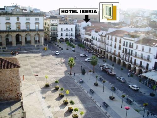Hotel iberia plaza mayor buscador de hoteles c ceres espa a - Pintores en caceres ...