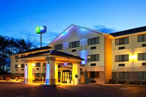 About Country Inn Suites By Radisson Abingdon Va