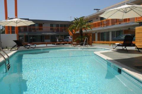 Tangerine Hotel