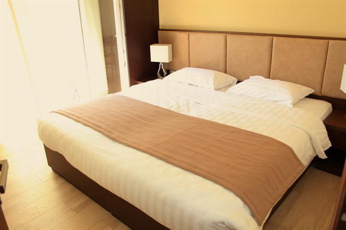 rea hotel heraklion offerte in corso. Black Bedroom Furniture Sets. Home Design Ideas