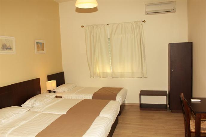 rea hotel heraklion compare deals. Black Bedroom Furniture Sets. Home Design Ideas