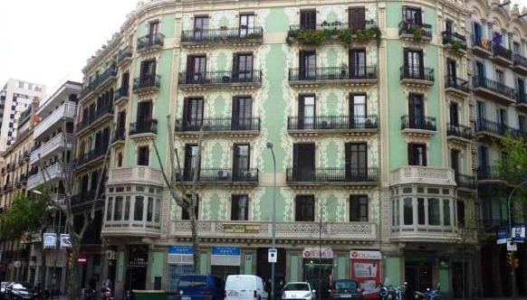 Low cost barcelona compare deals for Low cost paris barcelona