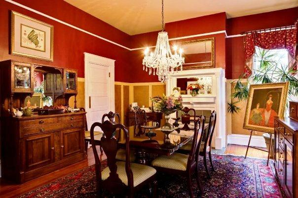 Noble Manor Bed And Breakfast