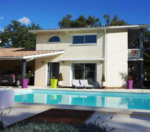 Chambres d 39 hotes villa aquitaine mont de marsan compare for Chambre d hotes aquitaine