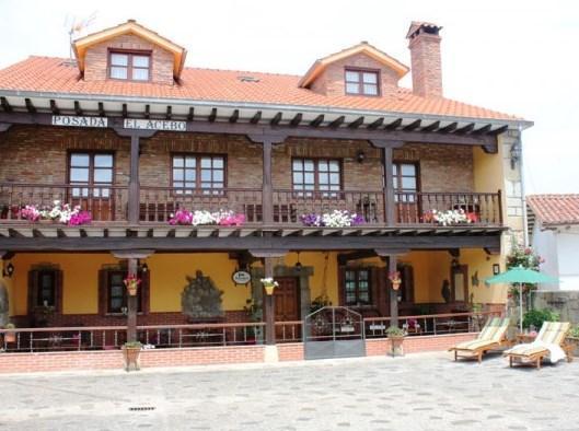 Posada el acebo santillana del mar compare deals for Posada el jardin santillana del mar