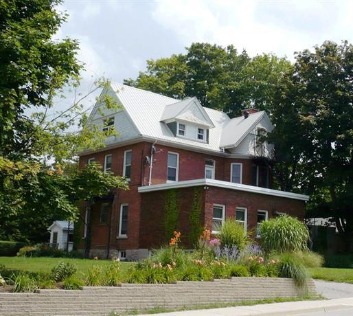 Doctor's House B & B