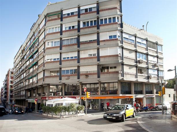 Flat barcelona barcellona confronta le offerte for Offerte barcellona