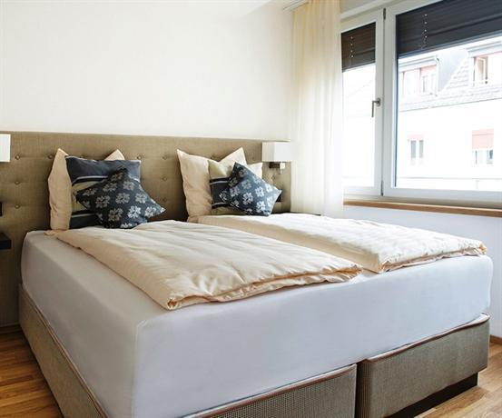 INSIDE FIVE - City Apartments