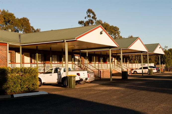 Central Motor Inn Chinchilla Compare Deals