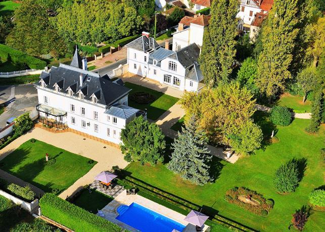 Gites Le Castel Morin CrecyLaChapelle  Compare Deals