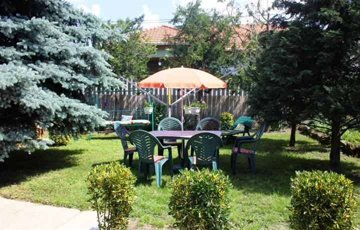 Tiszafured Hungary  city photos gallery : Apartman Szoke Tisza Tiszafured Compare Deals