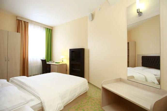 Open City Hotel, Naberezhnye Chelny - Compare Deals