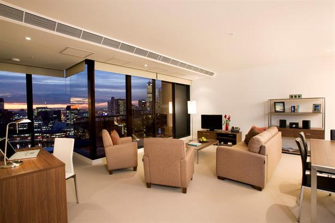 Melbourne Short Stay Apartments on Whiteman Compare Deals