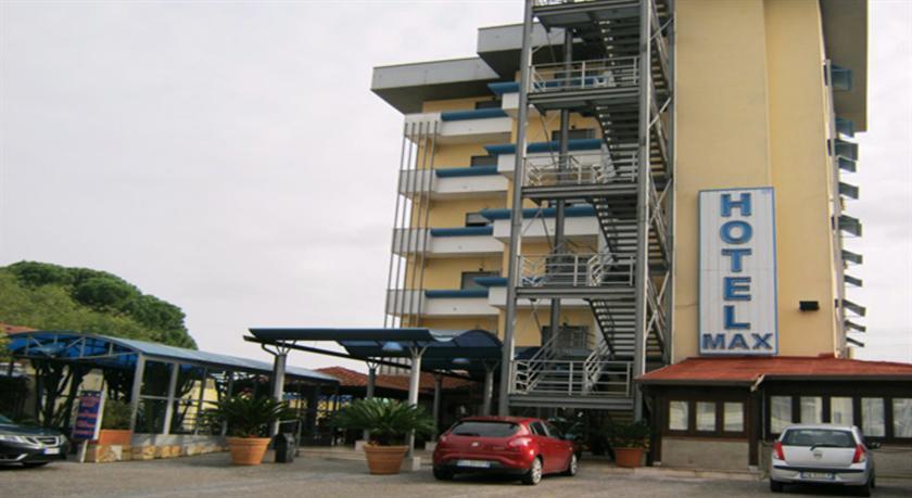 Hotel Max Aversa Compare Deals