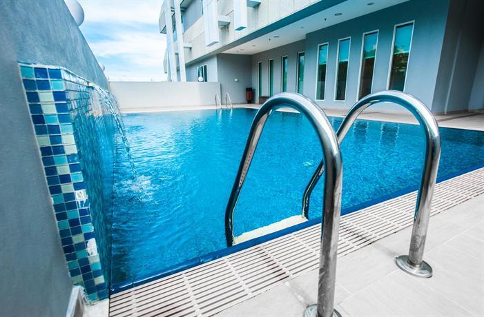 Badiah hotel bandar seri begawan compare deals - Centrepoint hotel brunei swimming pool ...