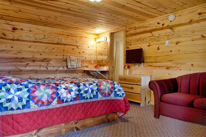 Mountain view lodge cabins hill city offerte in corso for Cabin cabin in wisconsin dells con piscina all aperto