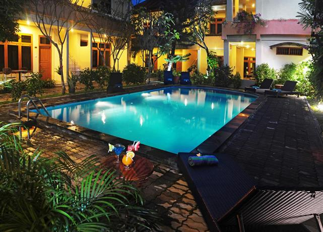 Febris hotel and spa kuta compare deals for Swimming pool hotel