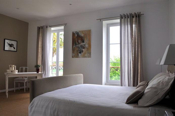 les jardins de l 39 hacienda tarare compare deals. Black Bedroom Furniture Sets. Home Design Ideas