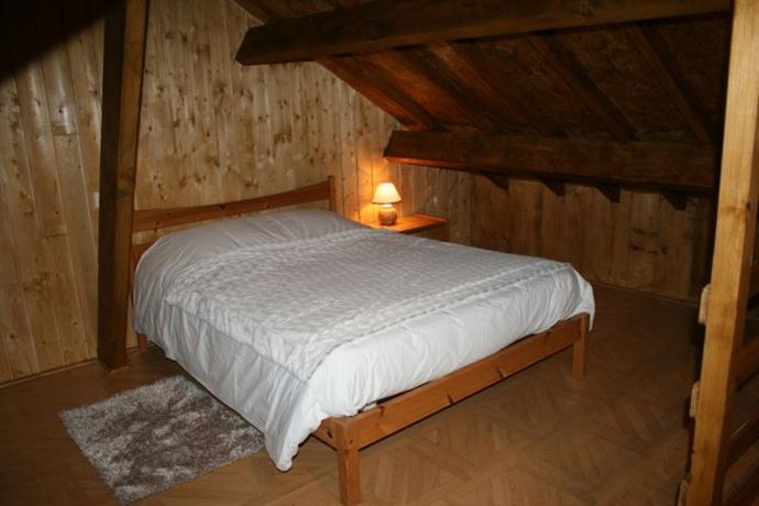 Chambres d 39 hotes sawan matougues compare deals for Chambre d hote epernay
