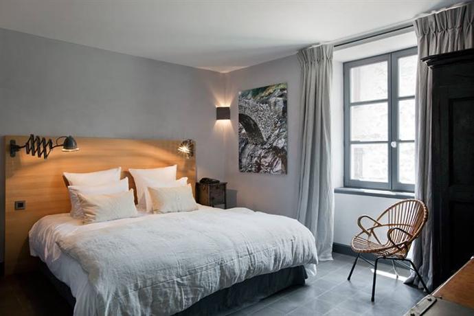 auberge de banne compare deals. Black Bedroom Furniture Sets. Home Design Ideas