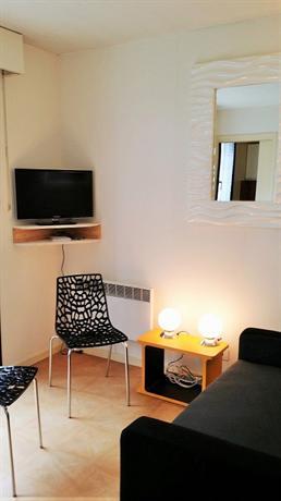 le petit jaude clermont sejour clermont ferrand compare deals. Black Bedroom Furniture Sets. Home Design Ideas