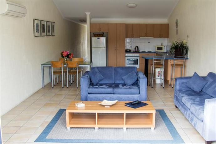sails luxury apartments sapphire coast photos reviews deals. Black Bedroom Furniture Sets. Home Design Ideas