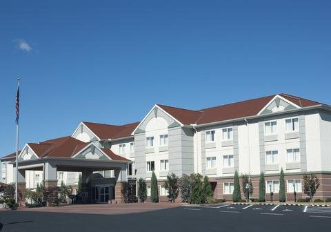 Holiday Inn Express Hotel Suites Port Clinton Catawba Island Compare Deals