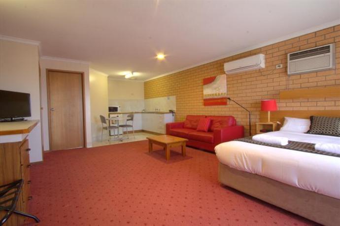 Blue Whale Motor Inn  U0026 Apartments  Warrnambool