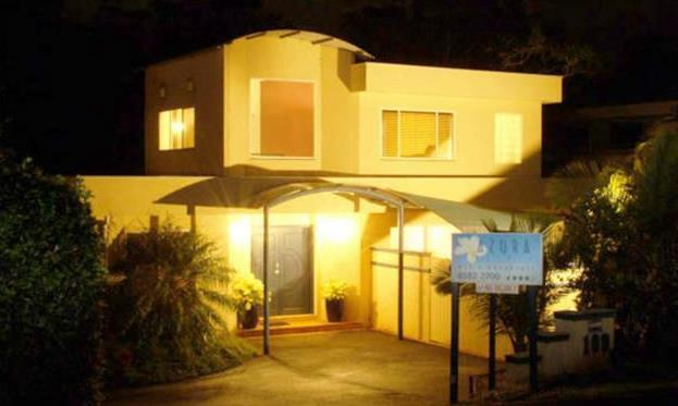 Azura Beach House B&B
