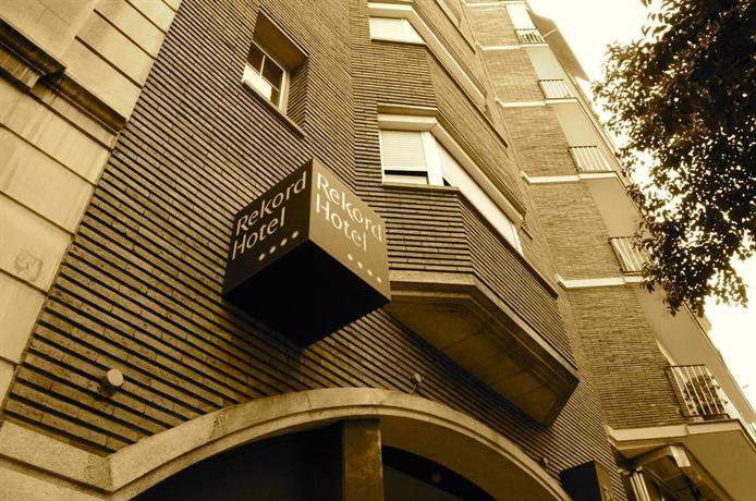 Hotel rekord barcellona offerte in corso for Offerte hotel barcellona