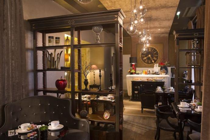 hotel gabriel paris compare deals. Black Bedroom Furniture Sets. Home Design Ideas