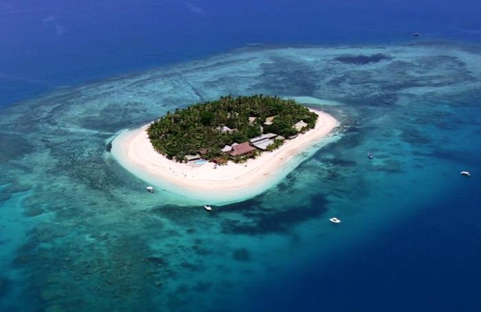About Beachcomber Island Resort