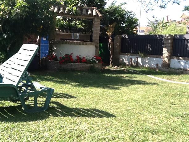 Precioso en sevilla terraza jardin piscina metro dos - Piscinas prefabricadas sevilla ...