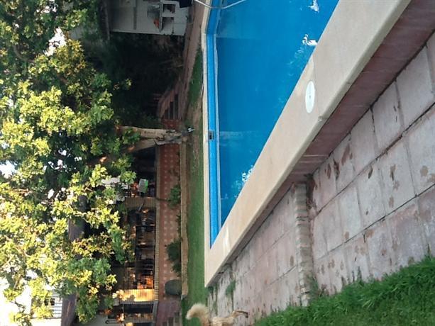 Precioso en Sevilla+terraza+Jardin +piscina+Metro