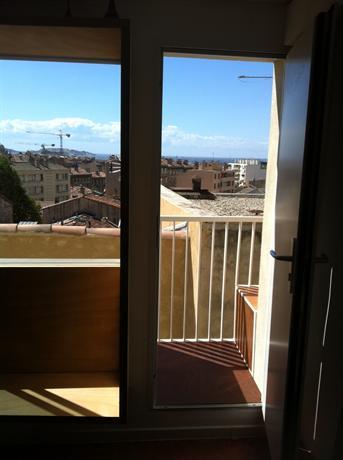 Superbe vue mer chez un architecte marseille compare deals - Un architecte ...