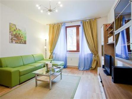 Smichov apartment with private parking garage prague for Apartments with private garage