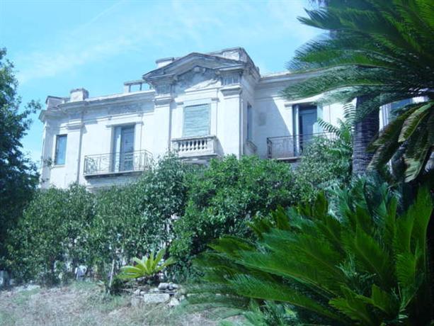 2 pieces dans villa avec jardin proche de la mer nice for Jardin villa ratti nice