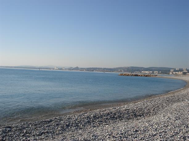 Superbe studio en rez de jardin a 50m des plages, Saint-Laurent-du ...