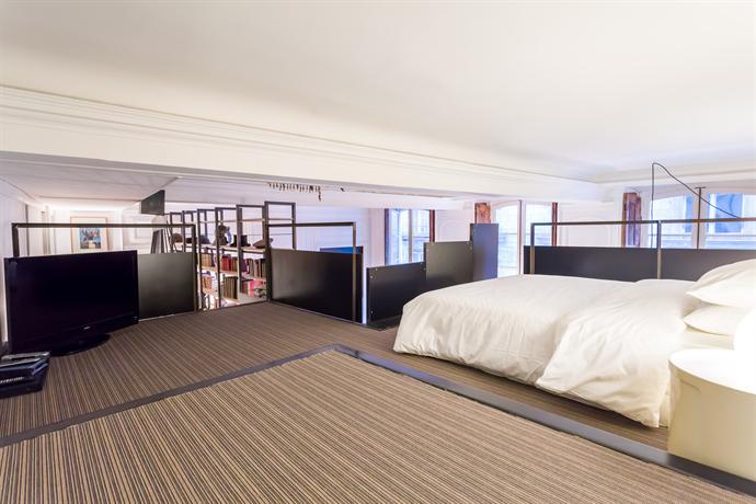 Meuble 59m2 2 3 pers centre lyon cheval d 39 argent compare for Centre meuble escompte