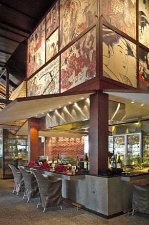 Pangkor laut resort teluk nipah compare deals for Mural hidupan laut