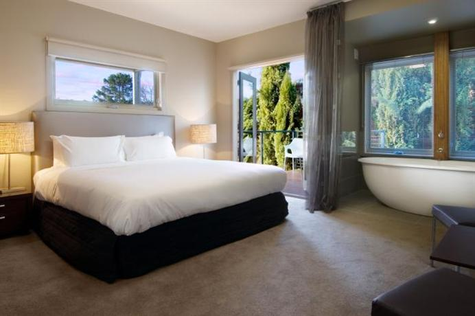 Peppers Mineral Springs Hotel Hepburn Springs Compare Deals