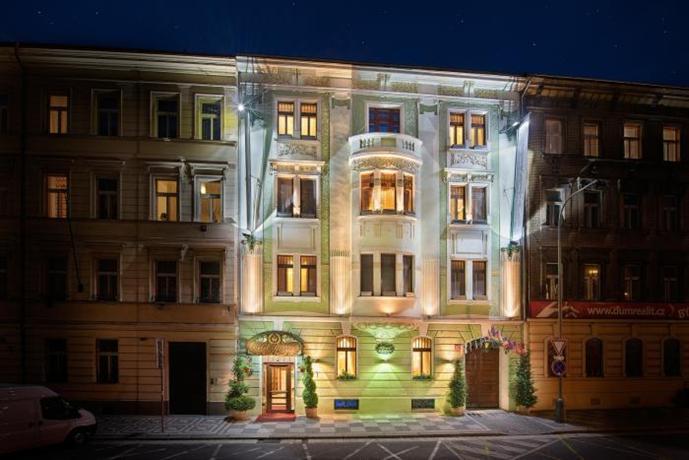 Hotel general prague compare deals for General hotel prague
