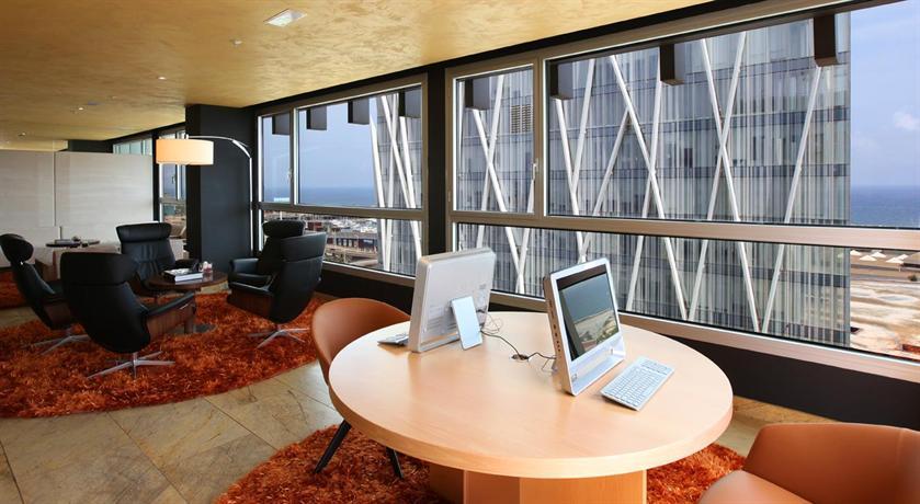 Hotel sb diagonal zero barcelona barcellona offerte in for Offerte hotel barcellona